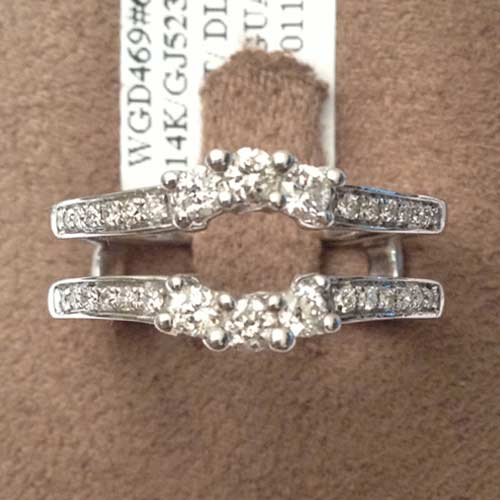 14kt White Gold Past Present Future Round Diamonds Ring Guard