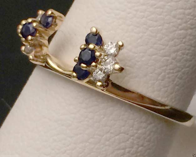14kt Yellow Gold Blue Sapphire And Round Diamond Solitaire